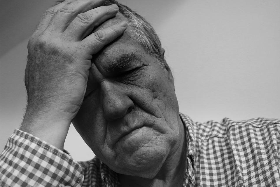 какие симптомы у арахноидита